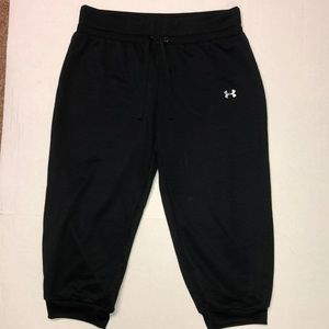 Under armor crop joggers size large